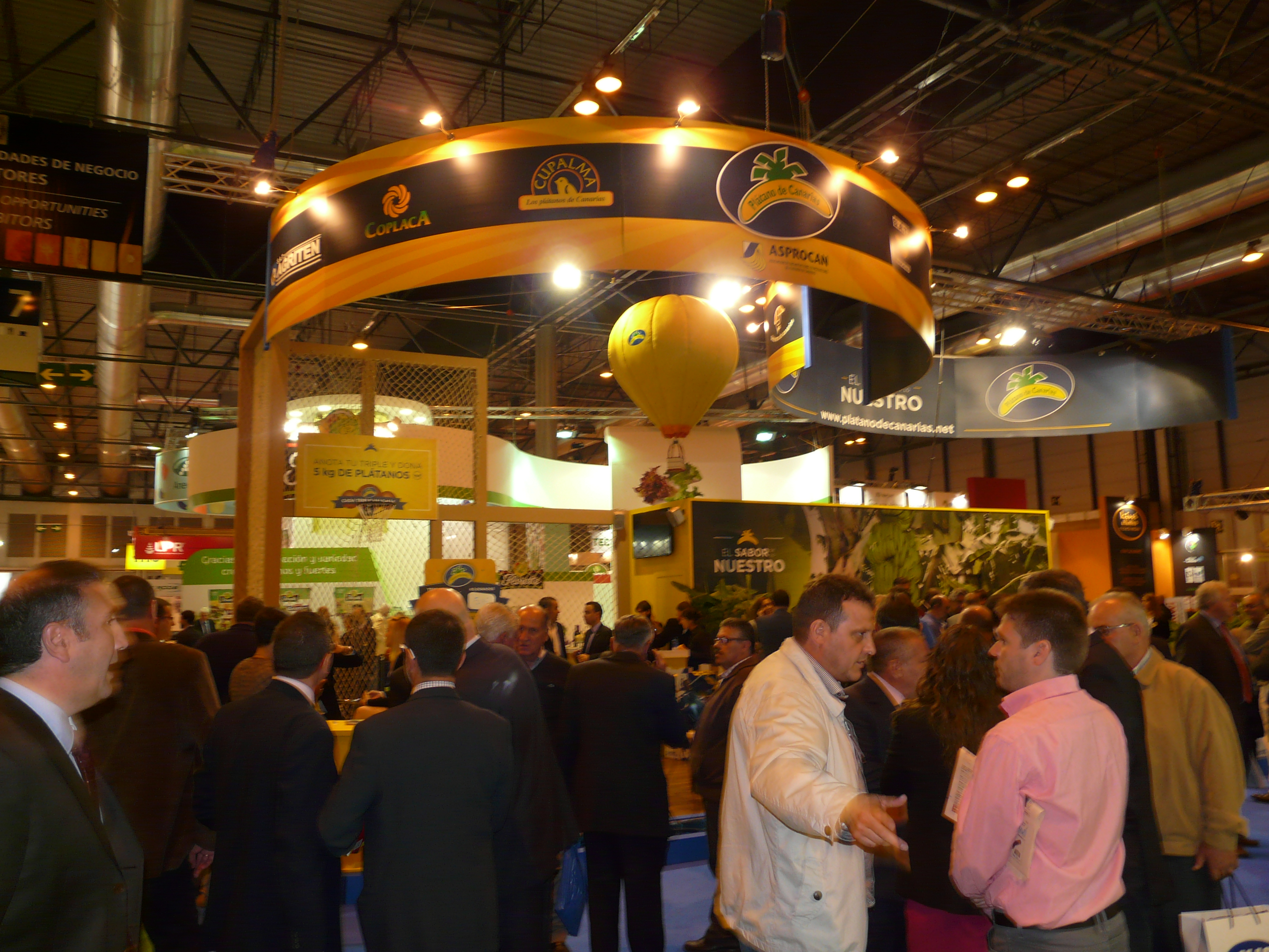 The crowds arrive on the second day of Fruit Attraction (17 Oct)