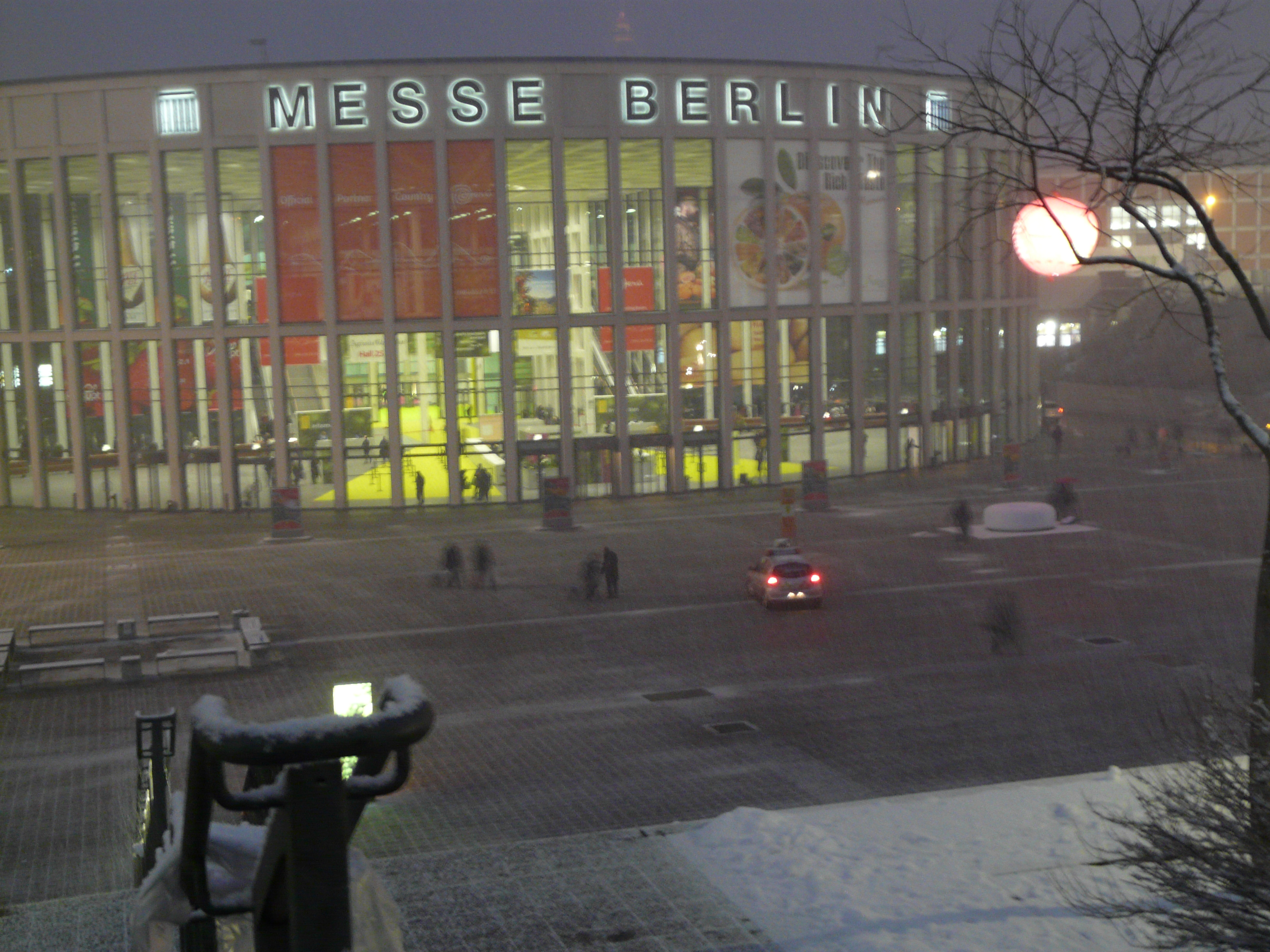 Messe Berlin gets ready for Fruit Logistica mayhem one again